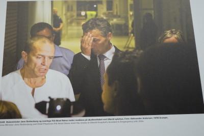 テロ当日、絶望した表情のストルテンバルグ首相(当時)