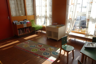 中央図書館の児童書コーナー